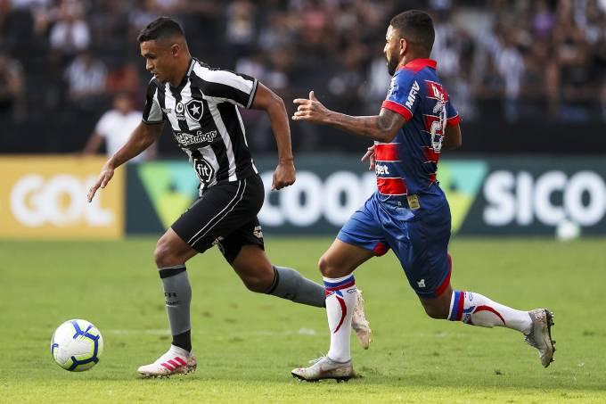 Resultado de imagem para Botafogo vence Fortaleza